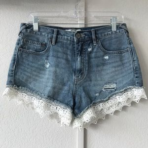 FREE PEOPLE laced hem denim jean shorts sz 28